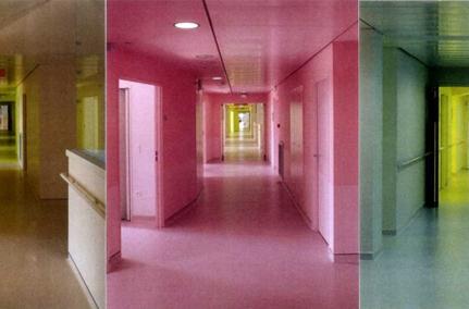 Couloirs, hôpital de Bailleul, pôle santé Sarthe et Loire, architectes: Jean Philippe Pargade, Gary Glaser